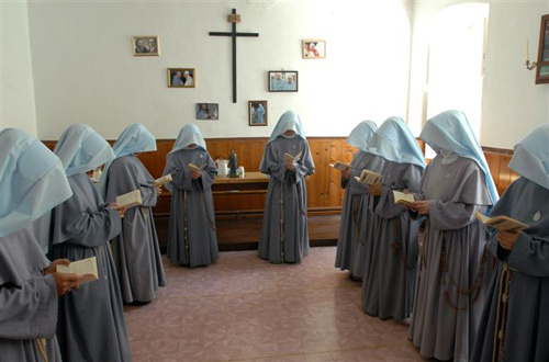 Contemplative Sisters at prayer